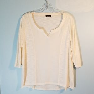 MBLM 1X white 3/4 length sleeve top